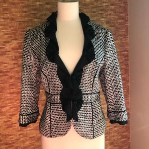 White House Black Market blazer w amazing detail